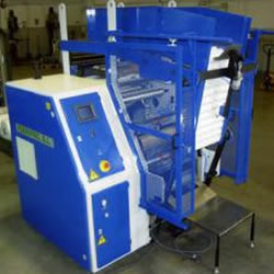 Automatic slitter rewinder for pre-stretch film RTC 50 PRE AUT
